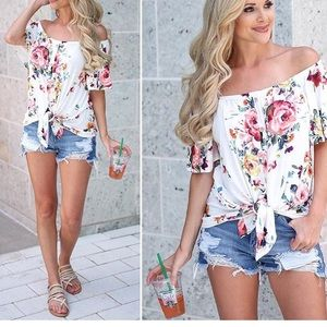 Tops - New arrival 💕off the shoulder floral top